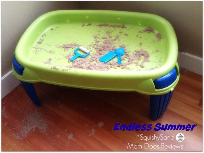 Endless Summer #Snackeez #HoverBall #SquishySand #IDVProducts #EndlessSummer #MomDoesReviews