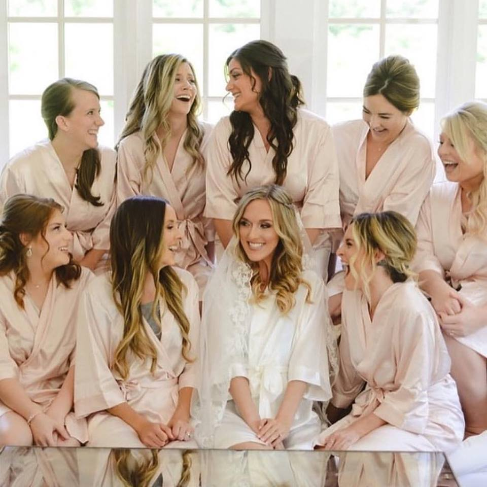 Matching Wedding Robes for Your Bridal Team That Displays Style