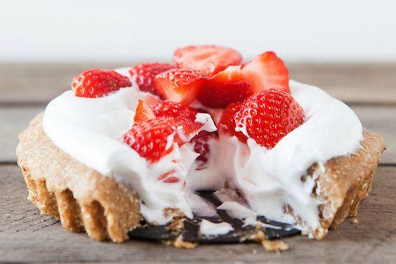 No Bake Strawberry Cream Pie