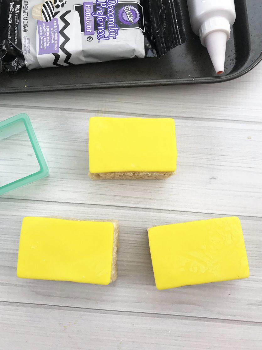 School Bus Rice Krispie Treats #Back2School18
