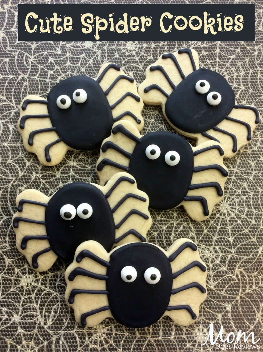 Cute Spider Sugar Cookie #halloween #cookies #dessert #funfood
