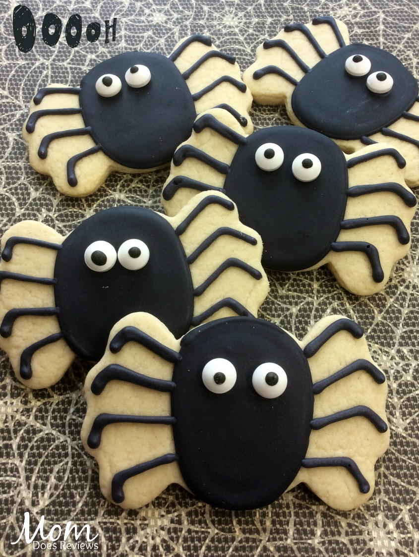Cute Spider Sugar Cookies #halloween #desserts #cookies #funfood