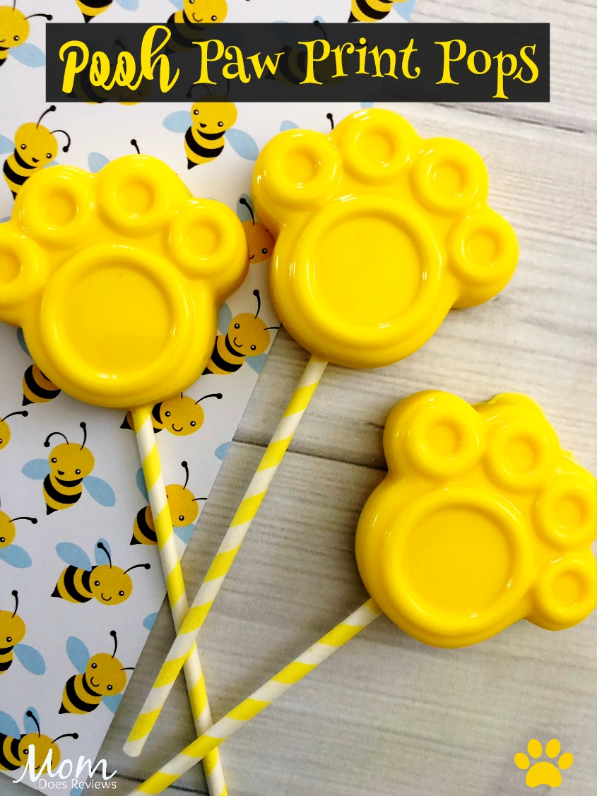 Super Easy and Cute Pooh Paw Print Pops #Winniethepooh #sweettreats #desserts