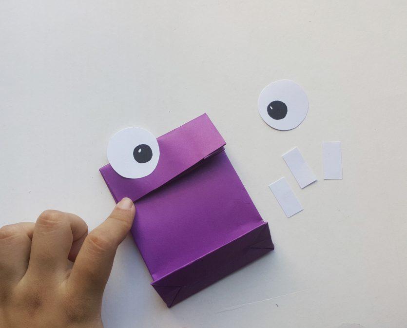 DIY Monster Treat Bags #FunHalloween18
