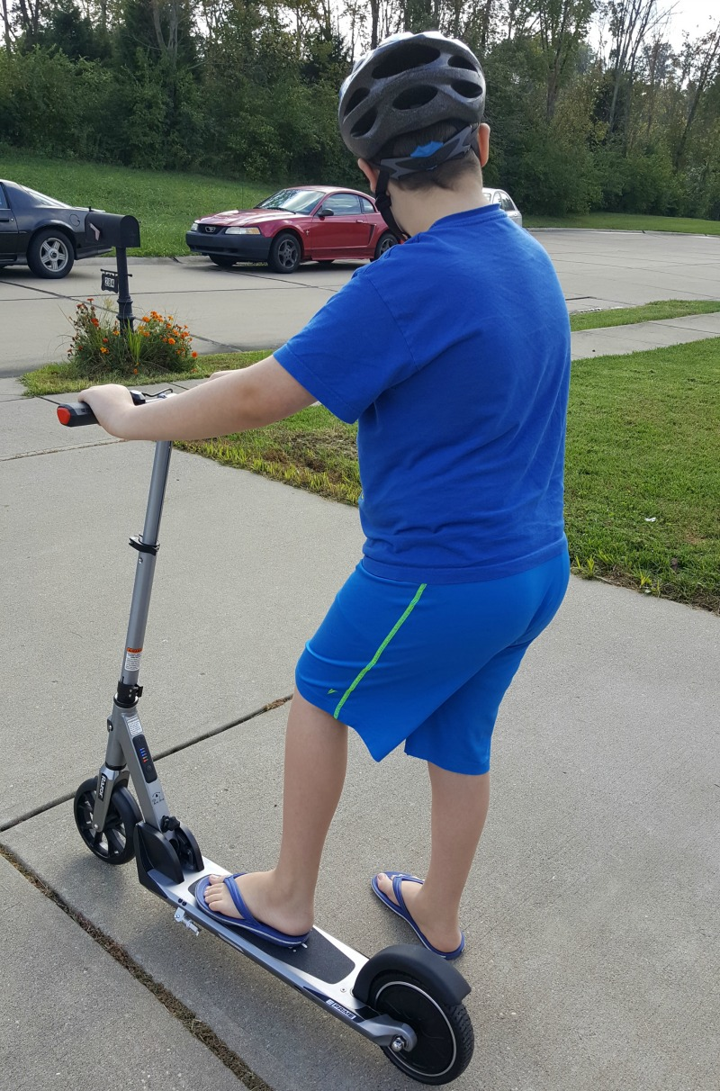 Ride Safely in Style with Razor Scooter