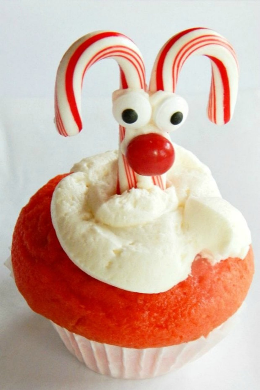 Rudolph the Red-Nosed Reindeer Cupcakes