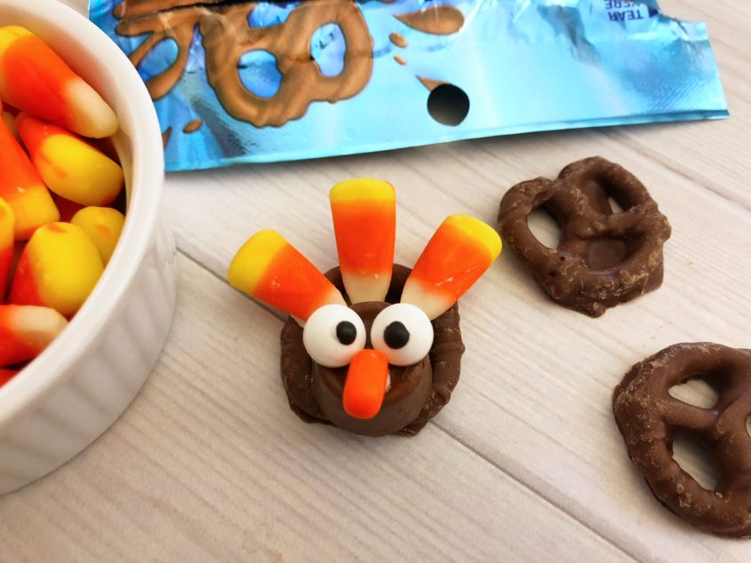 Easy Turkey Pretzel Bites