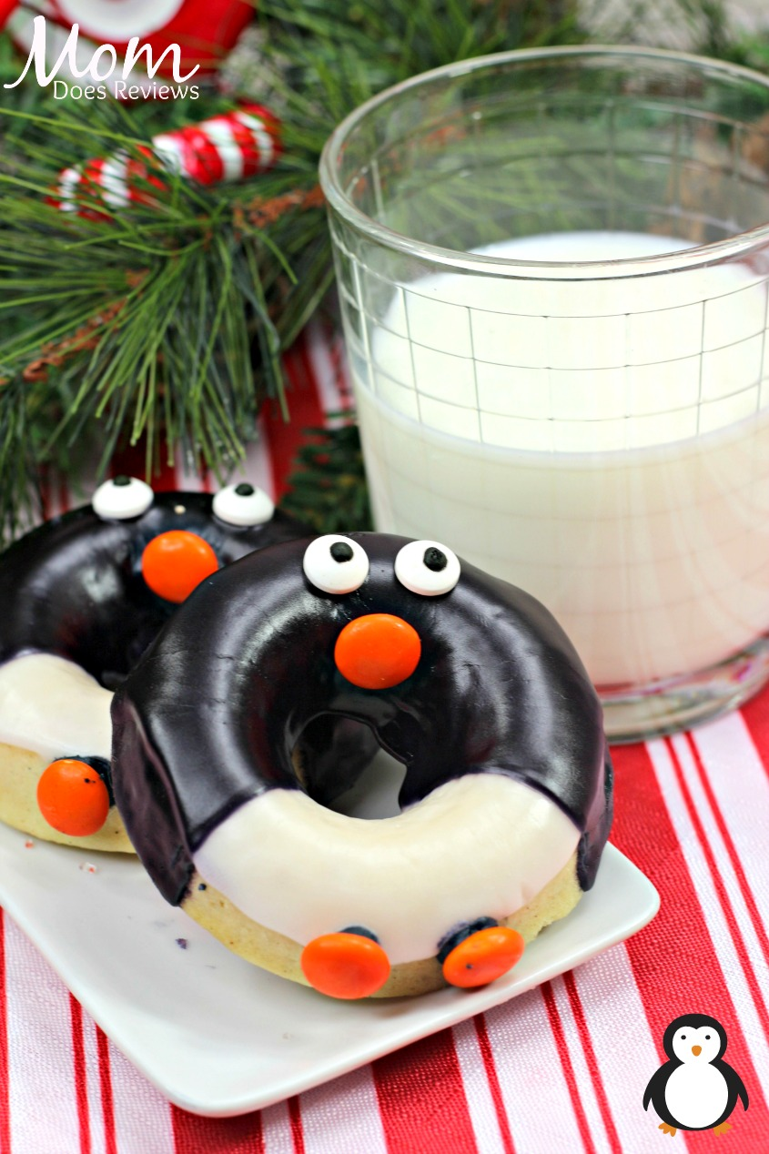 Penguin Donuts #christmas #desserts #sweets