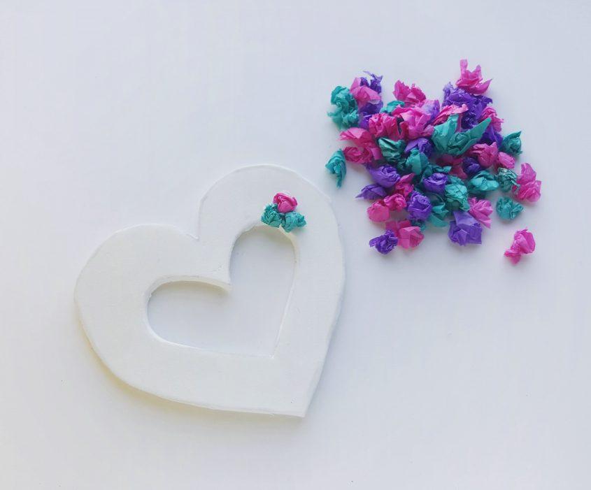 Tissue Paper Heart Wreath #Craft