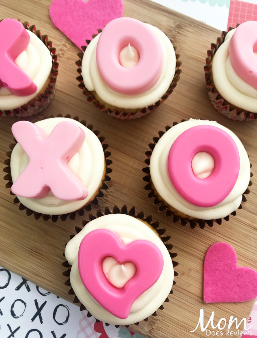 Valentine Hugs and Kisses #Cupcakes #sweets #recipes #valentinesday #hugs #love