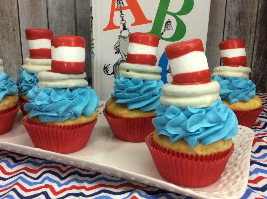 Dr Seuss Hat Cupcakes