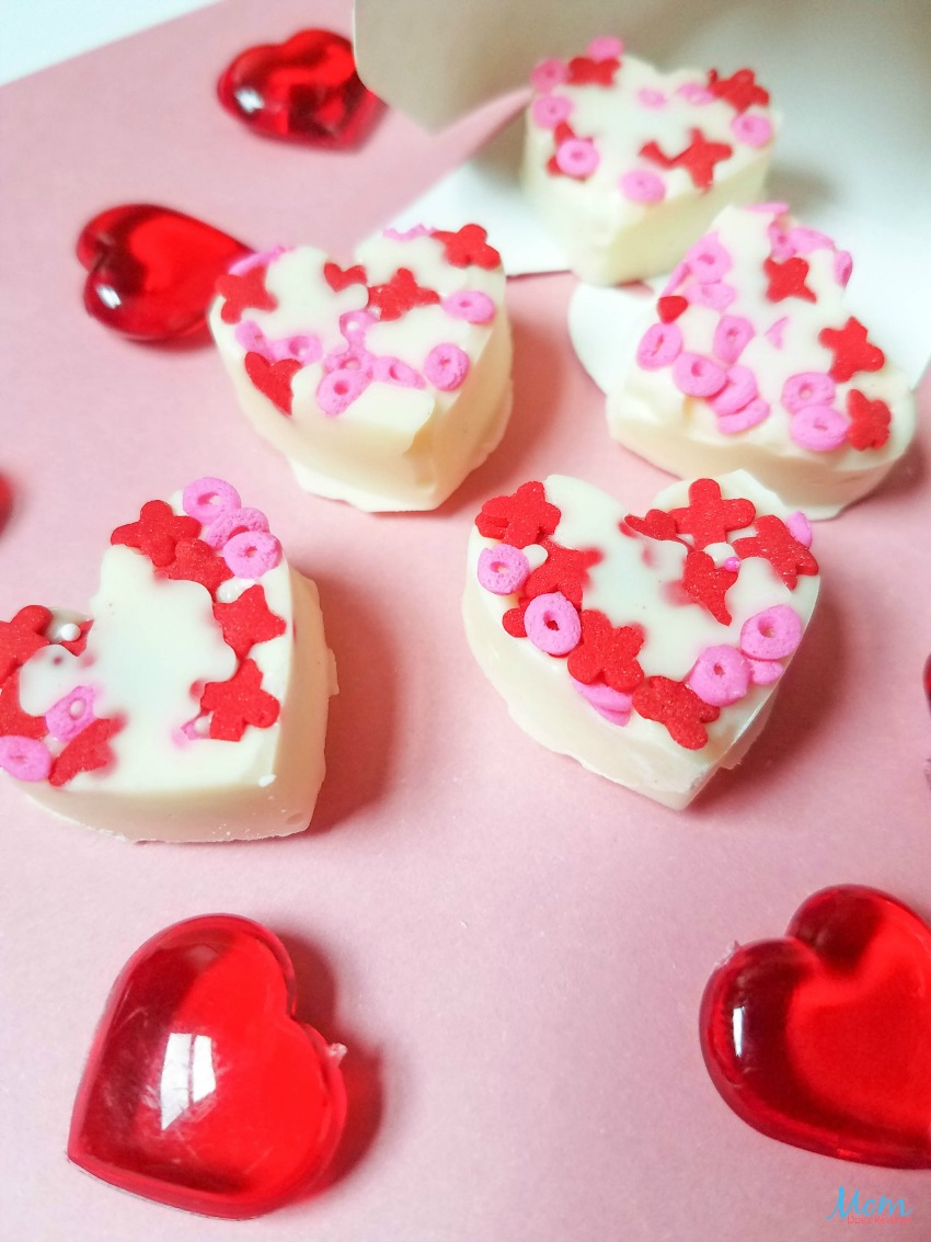 White Chocolate Almond Hearts Recipe #sweet2019 #sweets #hearts #candy #recipe #valentinesday