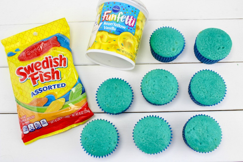 Dr. Seuss Cupcakes One Fish Two Fish supplies needed