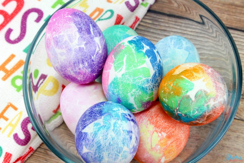 Tissue Paper Dyed Easter Eggs #Easter #eastereggs #tiedyed #crafts #diy #eggs