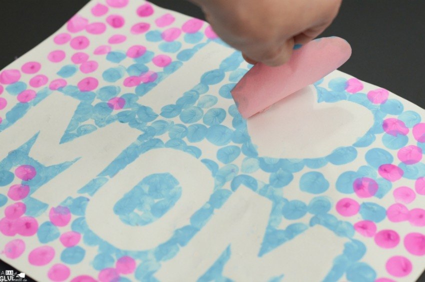 I Love Mom Mother's Day Thumbprint Craft