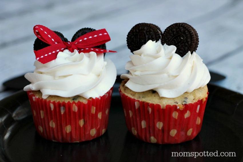 Minnie & Mickey Mouse Oreo Surprise Cupcakes