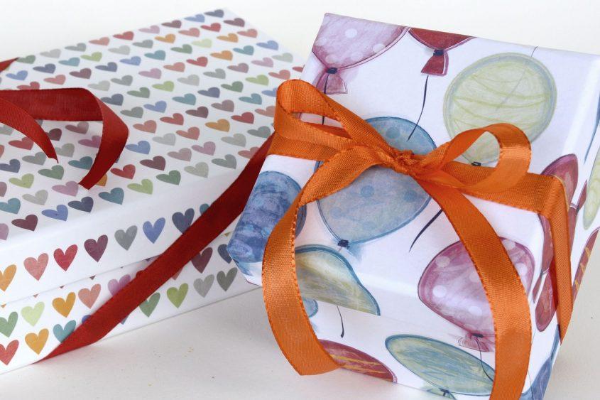 Как выбрать лучшую упаковочную бумагу для подарков