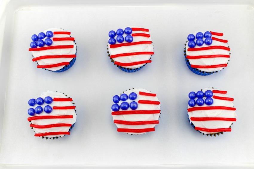 American Flag Cupcakes process