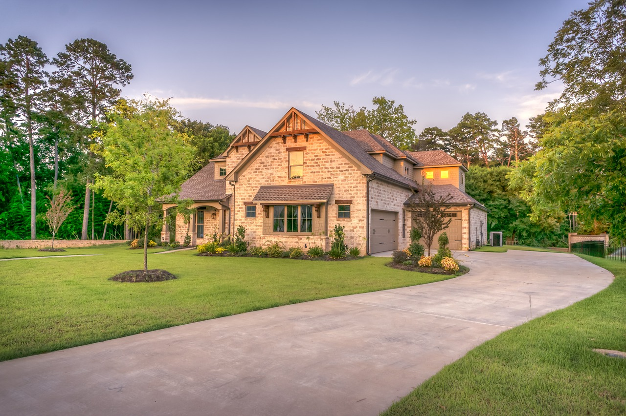 4 Ways to Increase the Aesthetic Appeal of Your Family Home