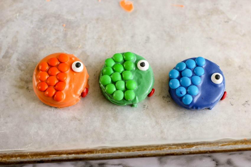 Tropical Fish Cupcakes process