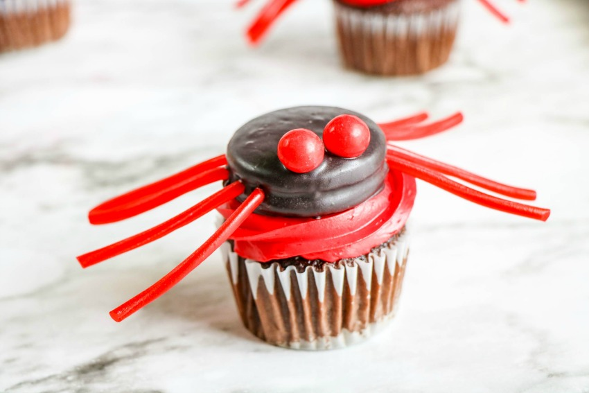 Spider Cupcakes Process
