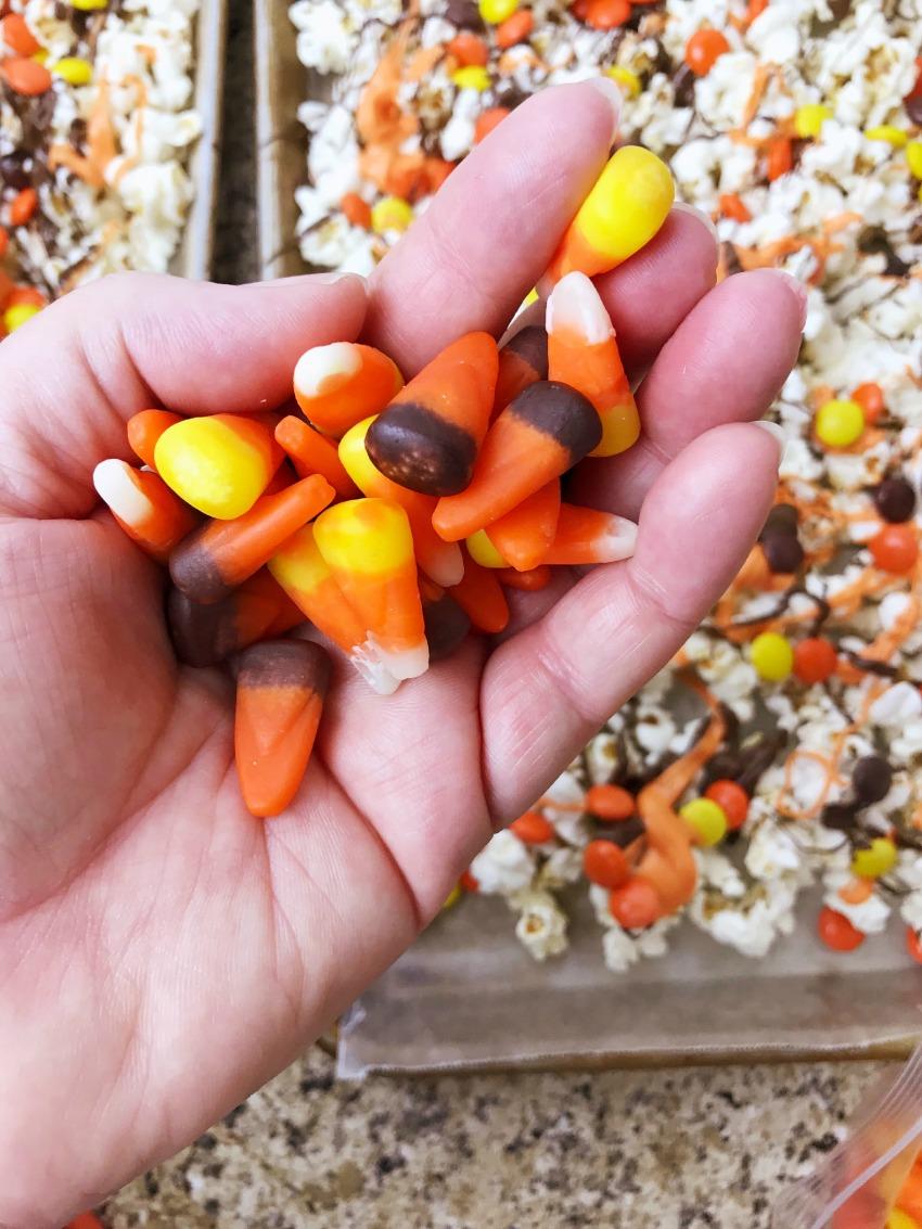 Halloween Popcorn Gloves process