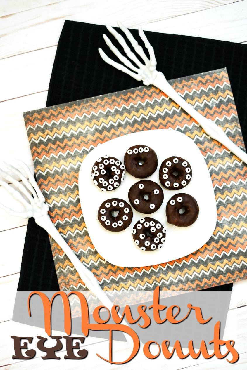 Easy Monster Eye Donuts #halloween #funfood #spooky