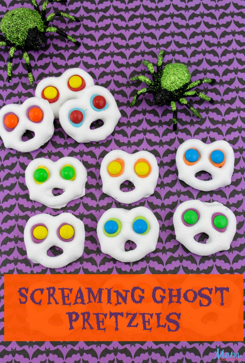 Screaming Ghost Pretzels for the Perfect Halloween Treat! #halloween #sweets #funfood