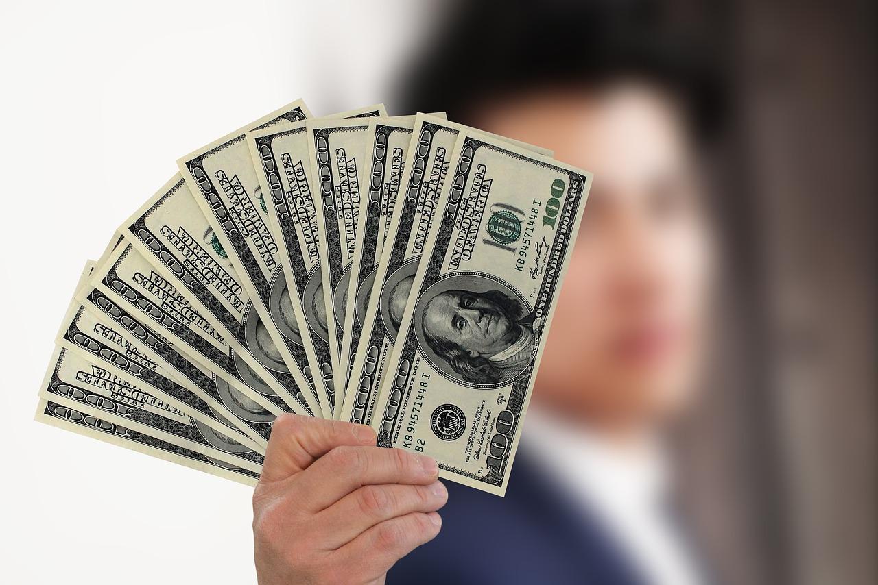 5 Essential Money Management Tips for College Graduates